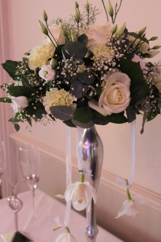 Beautiful white and green centrepiece