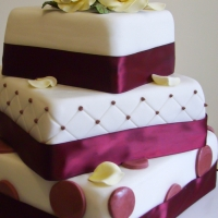 Gem of the week - Handcrafted Cakes from Piped Dreams