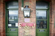 buckinghamshire-railway-centre-wedding-photographer-wendy-grant-photography-6