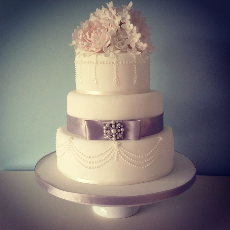 Vintage Lace Cake Design : Inspiration ~ 7 Stunning Wedding Cake Designs
