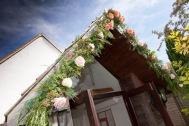 9. Floral Arch Decor