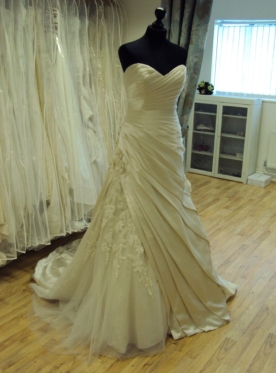 David Tutera for Mon Cheri '212248' Ex Sample Wedding Dress Oyster Leighton Buzzard