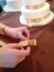 How to make a wedding cake bow Step 3 Cakes by Shelly