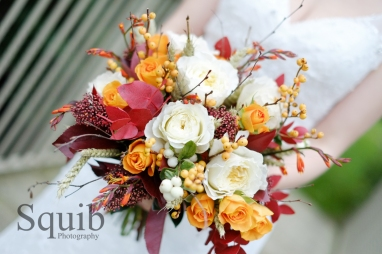 5) Distinctive Petals berry bouquet