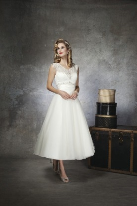 Justin Alexander tea length Short 50s style Wedding Dress